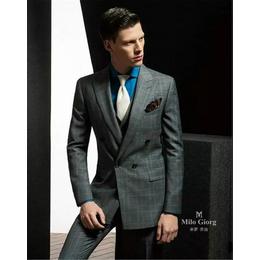 男士休闲西装的合理搭配--无锡西装专装定制