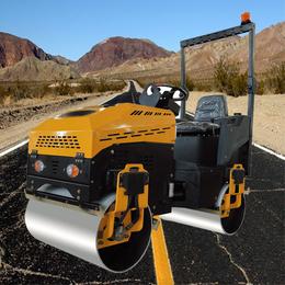 滁州小型压路机-冠森机械-小型压路机座驾