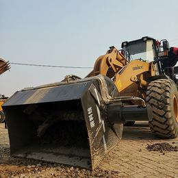 30铲改装搅拌斗铲车式搅拌机混凝土搅拌斗改装选中首重工