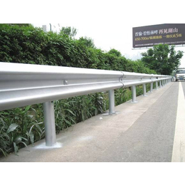 湖南道路双波波形护栏板  护栏立柱配件