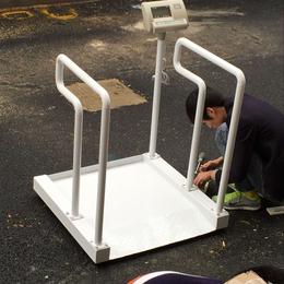 厂家直销300公斤轮椅称透析称重体重称