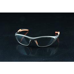 万宁市铅眼镜-铅眼镜是如何防辐射的-龙口三益(优质商家)