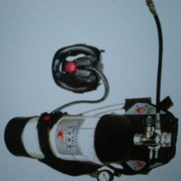 金诚正压式消防空气呼吸器厂家直销低价特卖氧气呼吸器