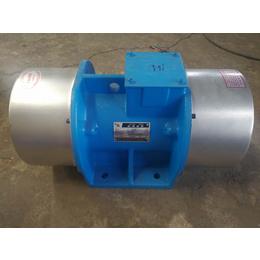 XVM-A-16-4振动电机 宏达史克平0.75kw震动电机