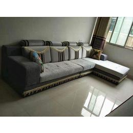 客厅灰色布艺沙发