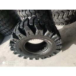 30铲车半实心轮胎型号20.5-70-16